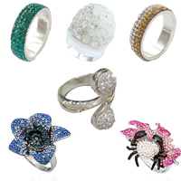 CRYSTALLIZED™ Crystal Finger Ring