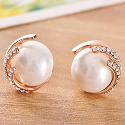 South Sea Shell Stud Earrings
