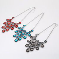 Fashion Statement Necklace, Zinc Alloy, with Crystal, with 2 lnch extender chain, antique silver color plated, twist oval chain & faceted, more colors for choice, Length:Approx 17.7 Inch, Sold By Strand